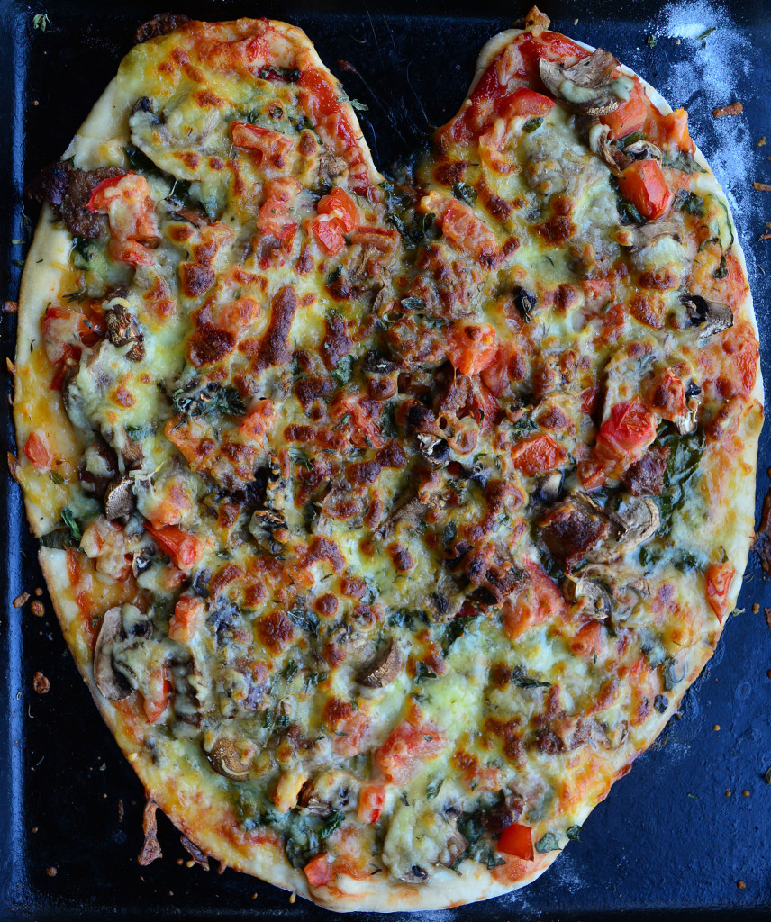 DIY Valentines Day Pizza for the one you loveDIY Valentines Day Pizza for the one you love