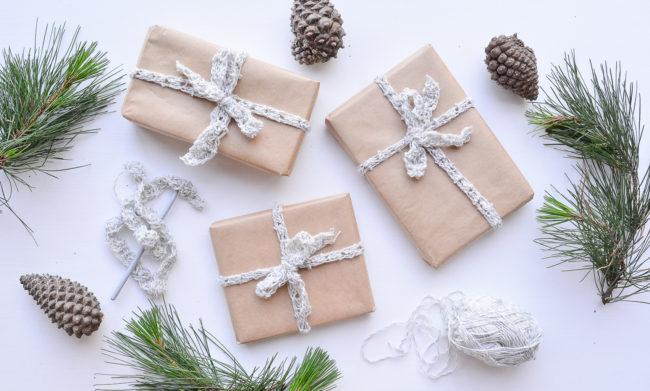 DIY GIFT   Crochet Gift Wrap Ribbon - Threadbare Cloak
