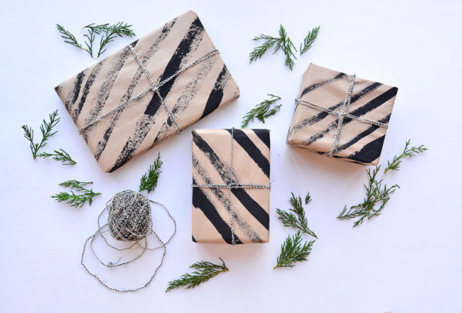 DIY GIFTS | Make Your Own Wrapping Paper - Threadbraecloak.com